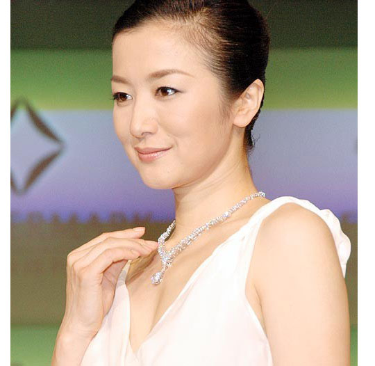 kyoka suzuki japan actress Sexy older woman ...