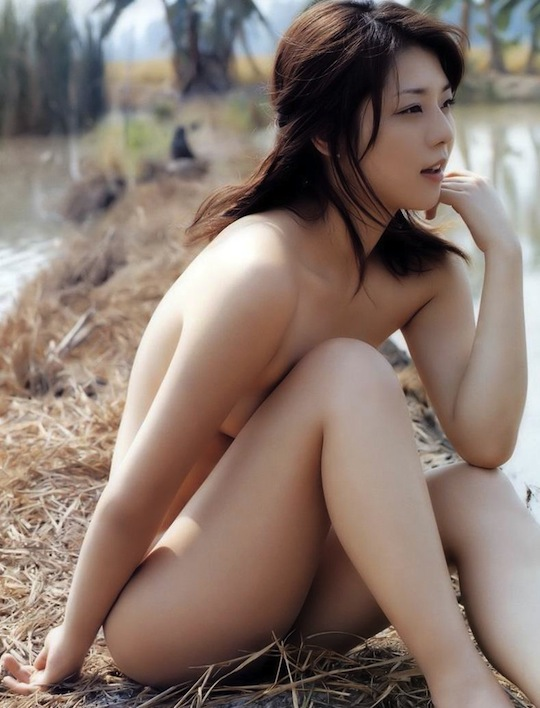 miho yoshioka japanese idol model hot 吉岡美穂