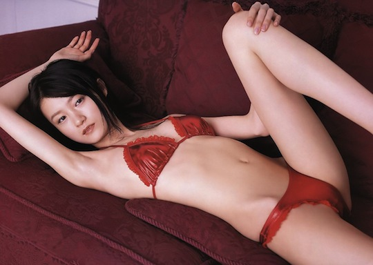 Flat chest girl Nude japanese
