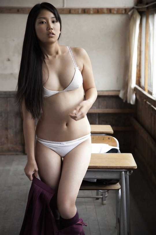 honoka ayukawa sexy junior idol japan hot