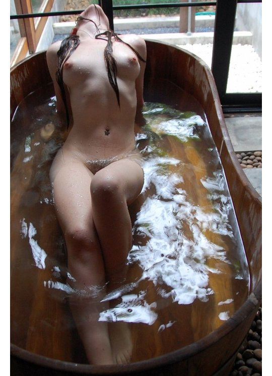 naked japanese girl onsen hot spring