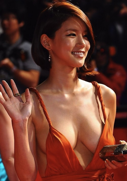 nude Korean actress