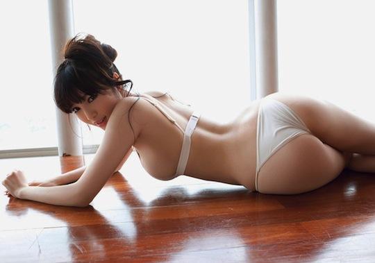 Morishita naked yuri