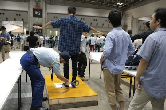 akb48 handshaking meet and greet event big sight increased security body checks