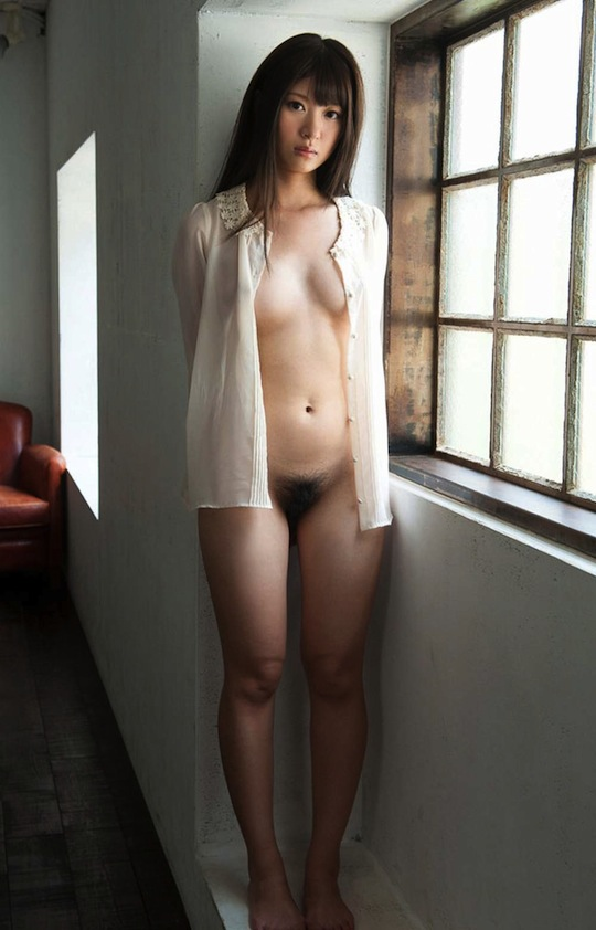 Japanese woman hairy pussy for
