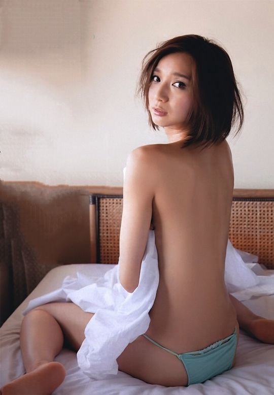 serina-sdn48-sexy-nude-naked-hot-idol-japanese-4