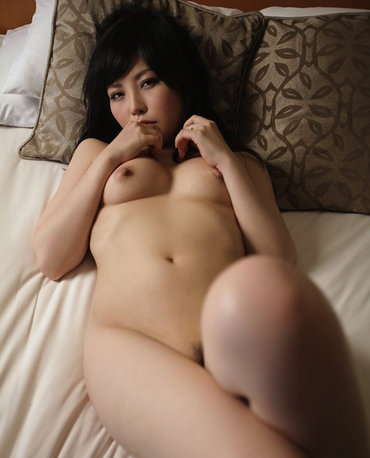 hot japanese girl naked body