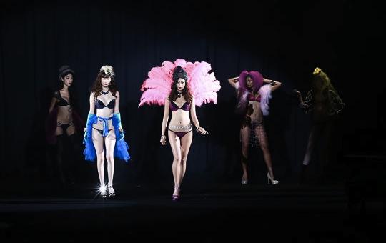 ravijour japanese lingerie brand sexy hot fashion show roppongi tokyo
