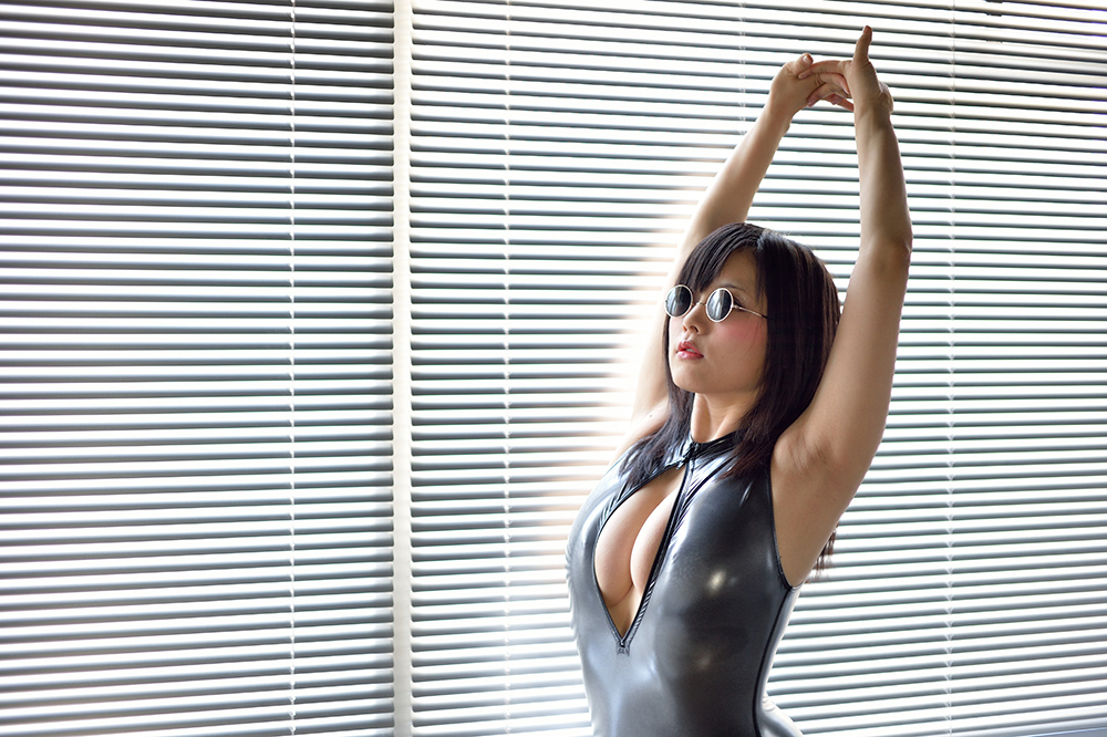 akane miyako swimsuit sexy gravure front zipper hot body realise japanese