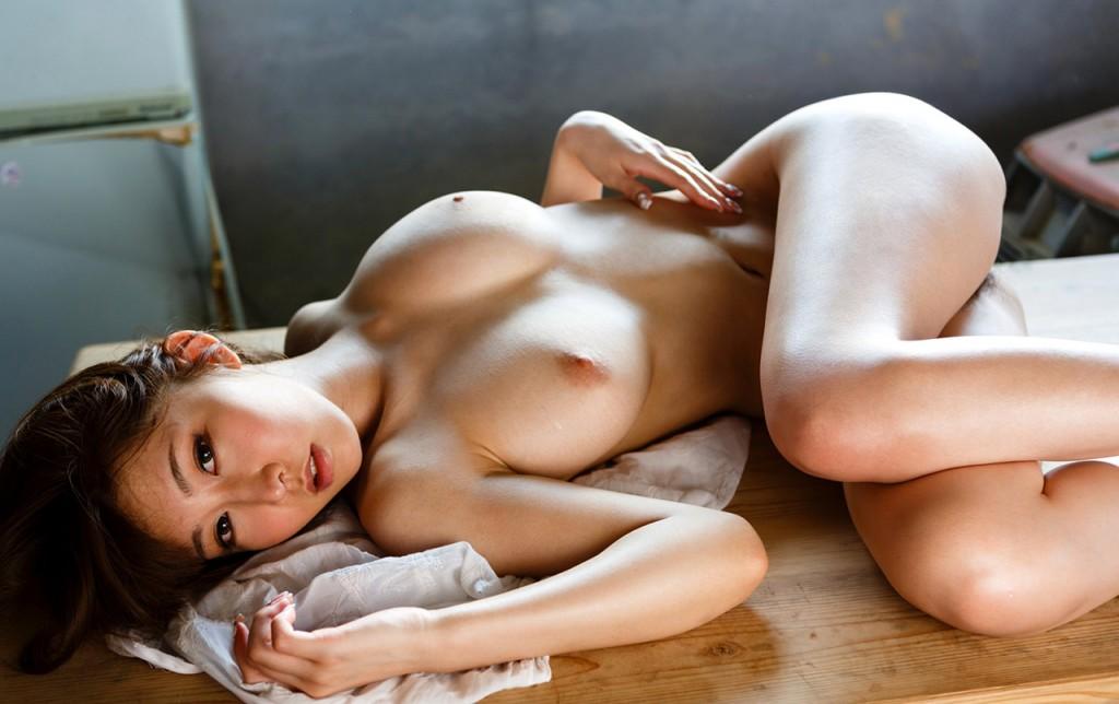 azumi kinoshita hot naked body