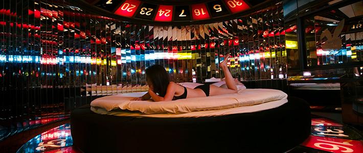 japanese love hotel history