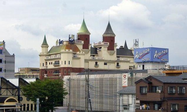 love hotel castle