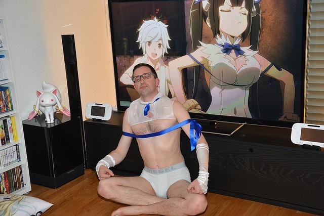 man cosplay danmachi hestia
