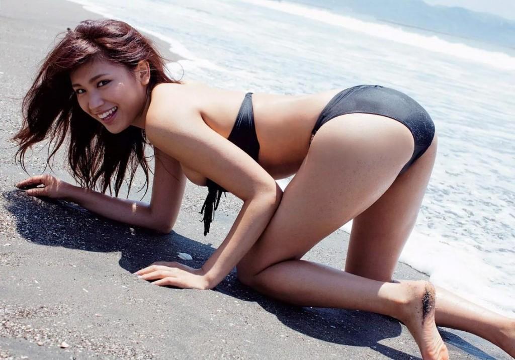 ikumi hisamatsu gravure model japanese hot body bikini swimwear