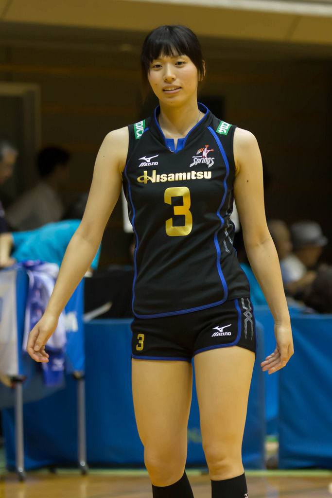 Japans female volleyball sports players are too hot to
