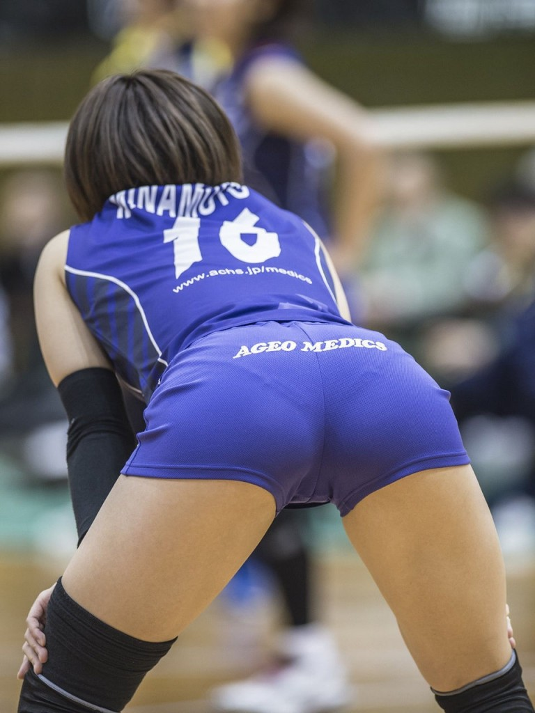 Naked volleyball playing hot girls