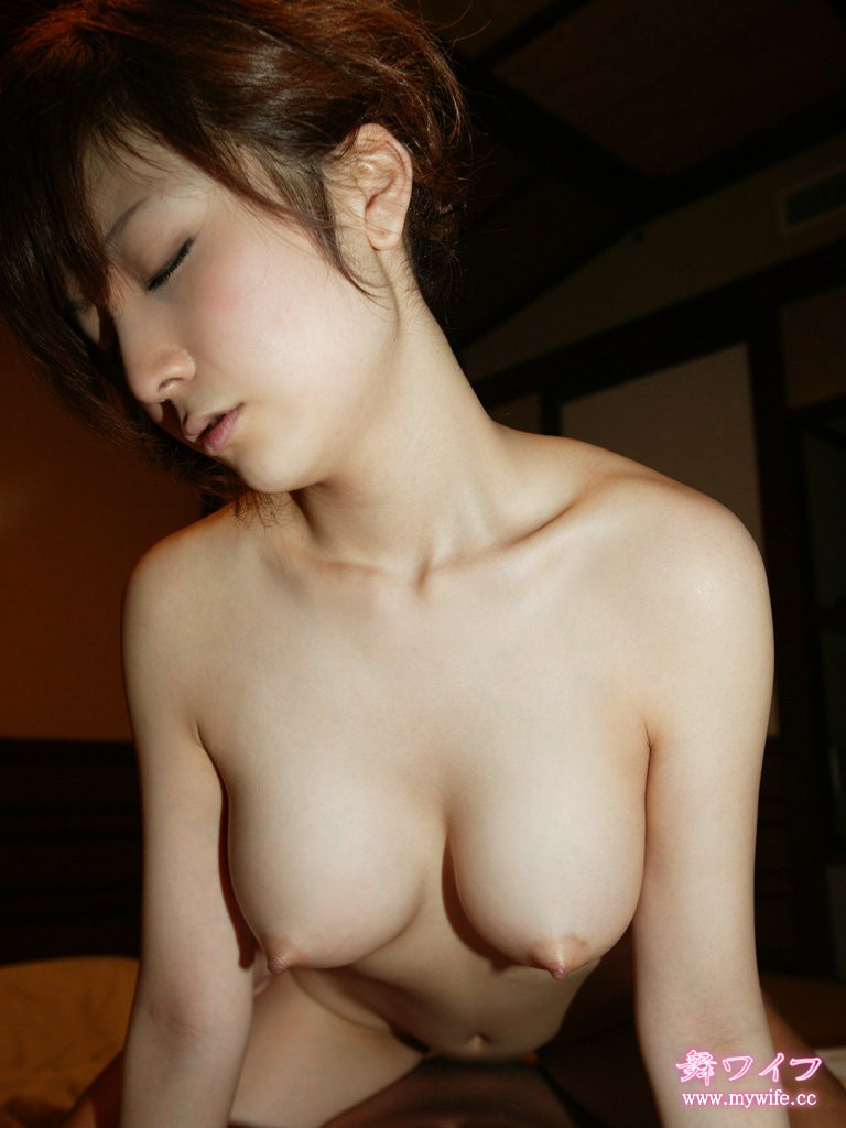 japanese wife breasts naked