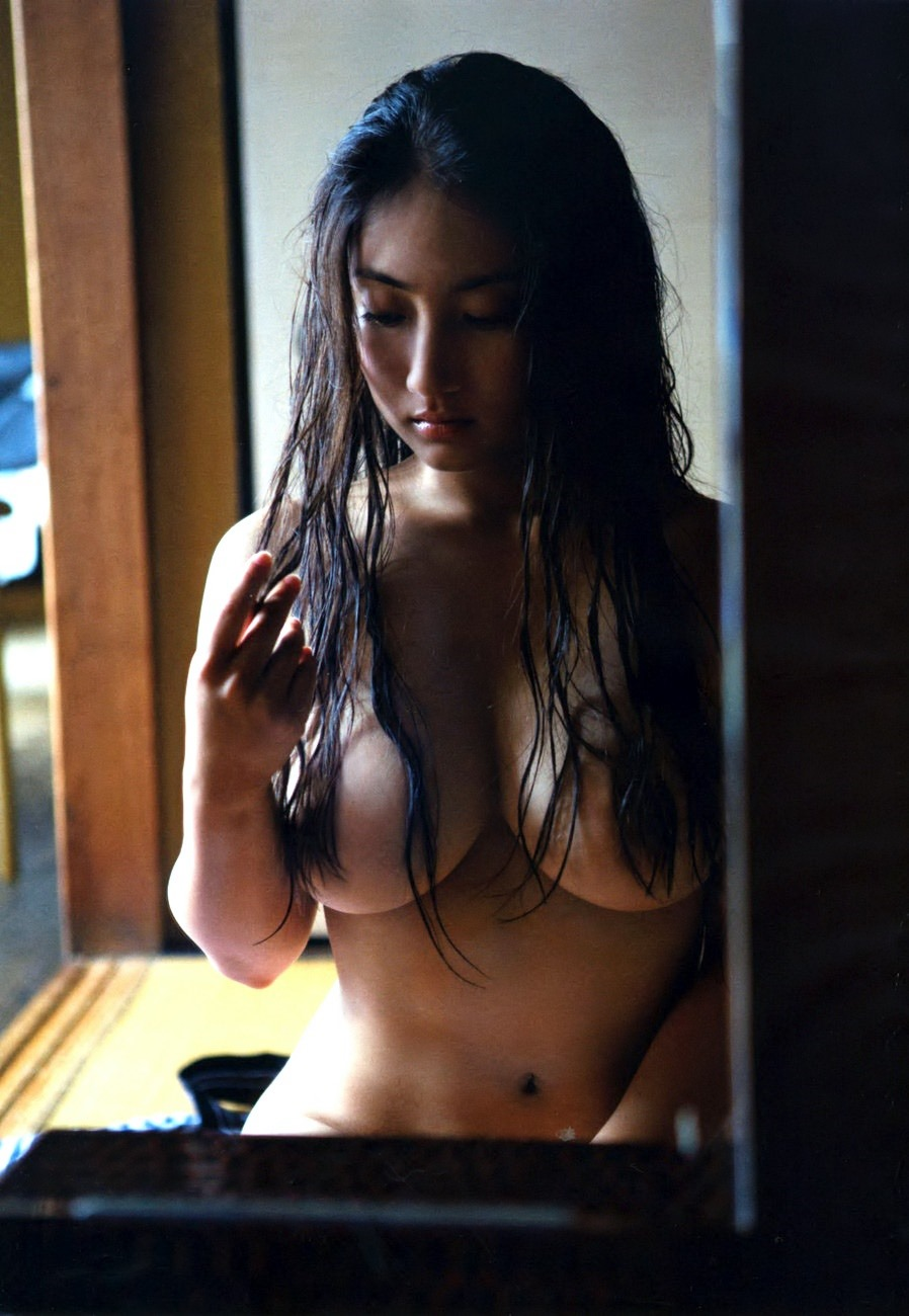 Saaya irie in nude photo