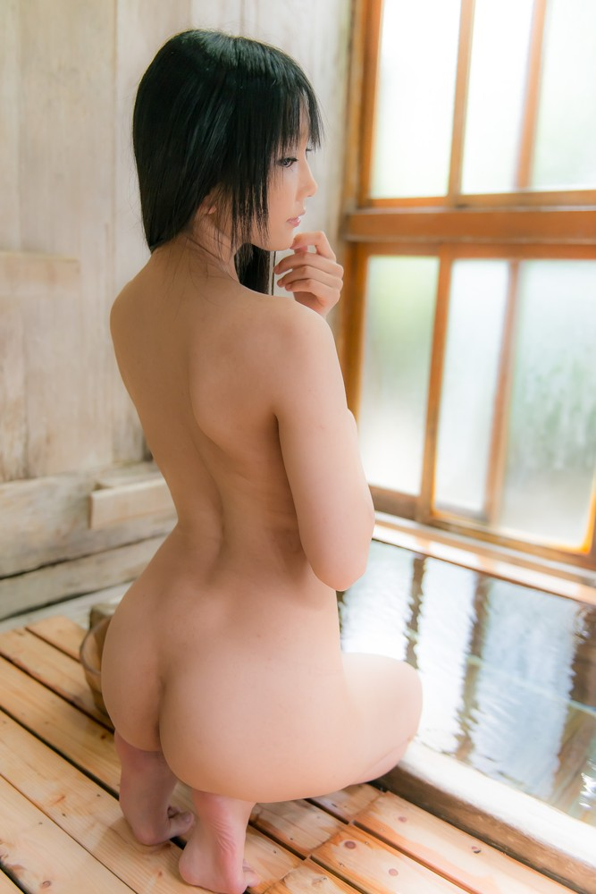 Naked asian girls and feet