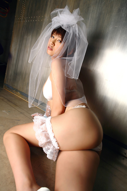yuka kosaka former gravure model idol hot sexy