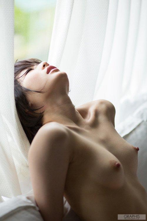 naked girls pointy nipples