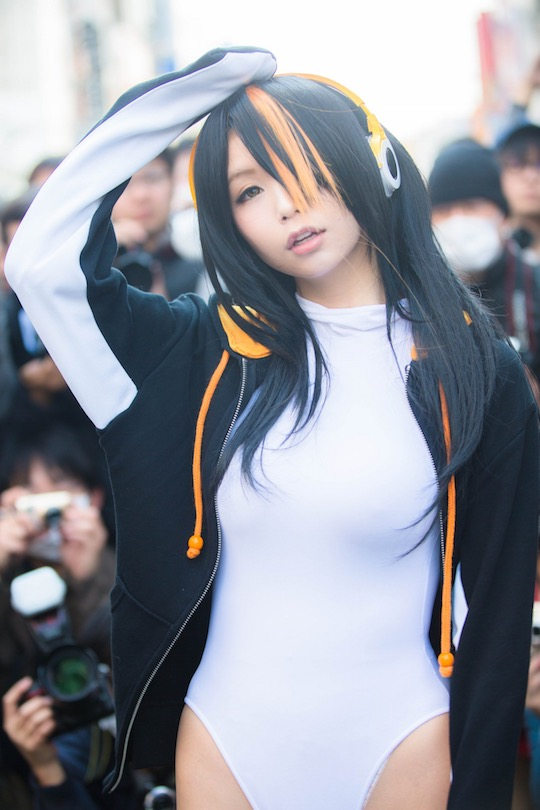 akira itsuki sexy cosplayer japan denden town nipponbashi osaka