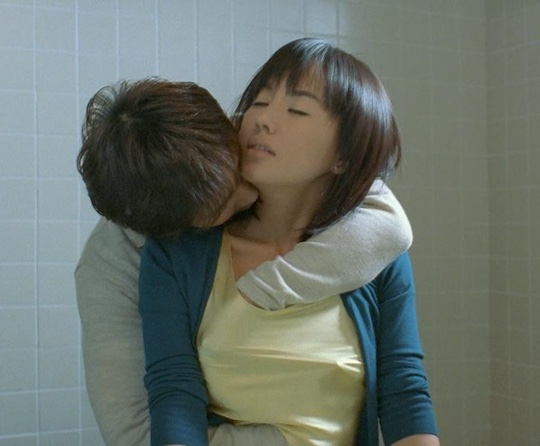 Uhm Jung-hwa Jeong-hwa Eom sex scene nude naked korean film Marriage Is a Crazy Thing