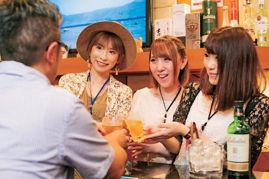 A visit to Vivi, a Kabukicho girls' bar with Japanese AV ...