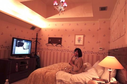 love hotel tokyo meguro emperor stay alone