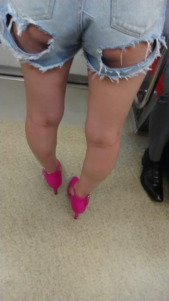 japanese girl roshutsu nudity butt train revealing clothes