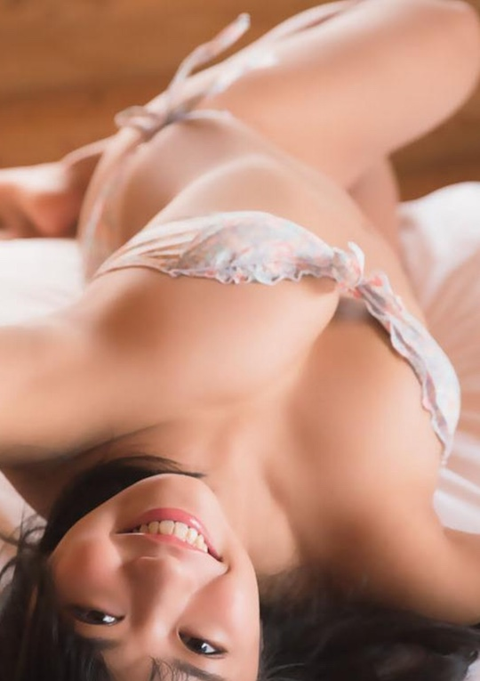 yuno ohara nip slip nipple breast nude body gravure idol naked japanese