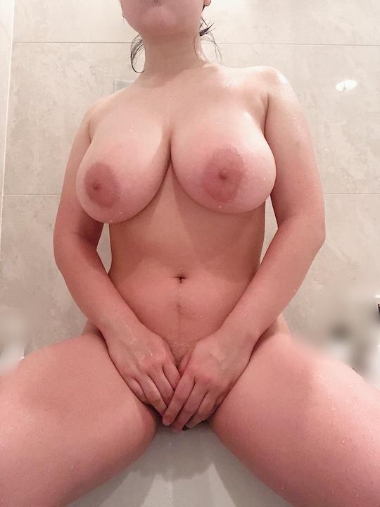 japanese college girl university student bakunyu selfies nude coronavirus tokyo home lockdown breasts huge