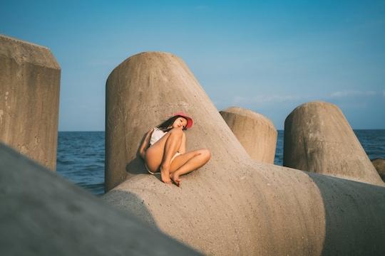 mizuki japanese model body sexy beach shoot hot bikini tokyo